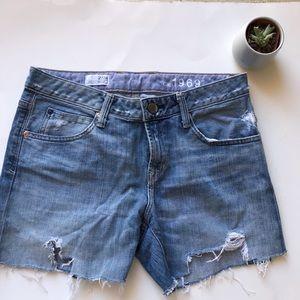 Gap cutoff jean shorts distressed 27 / 4